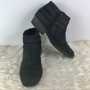 Clarks Collection black leather zip up booties